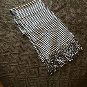 Other - Men's scarf. 100% acrylic